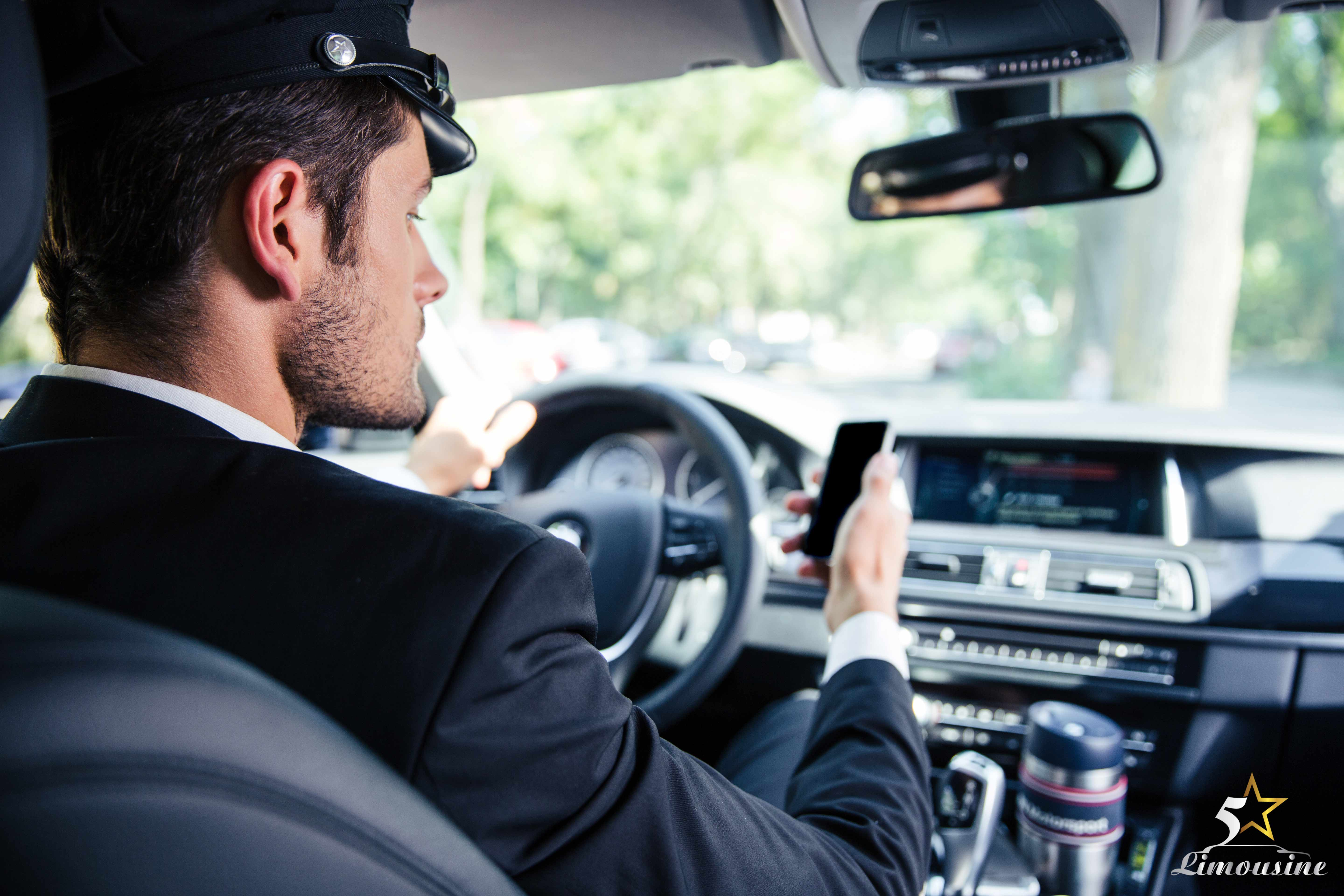How to Hire a Limo Driver in Las Vegas